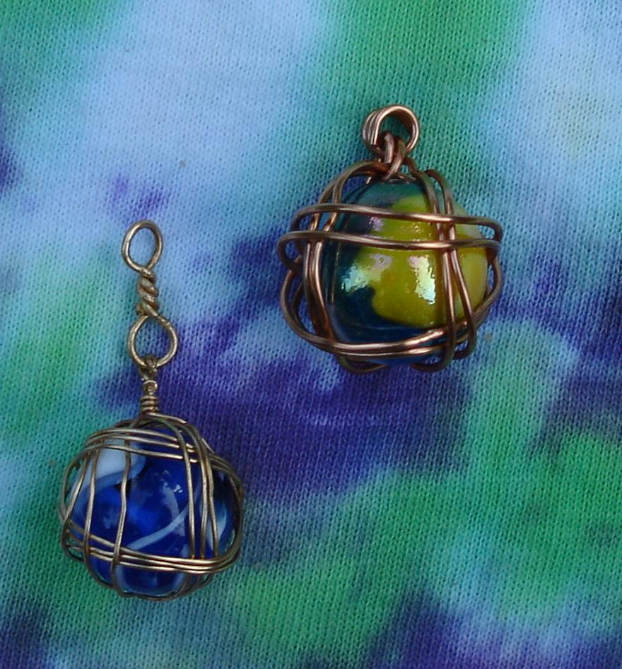 wire wrapped marbles for forum game by Jadis