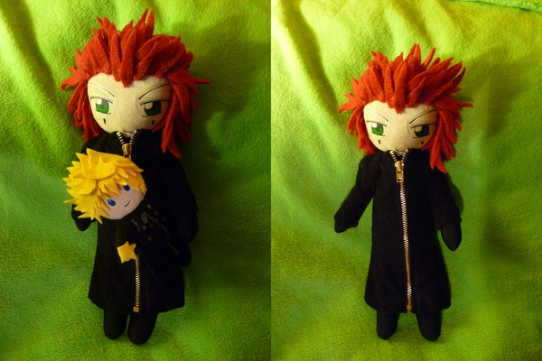 Axel and his Roxas Plushie by Plushbox